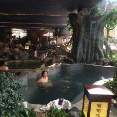 Hot Spring in Shenghao Seasons Hotel User Photo