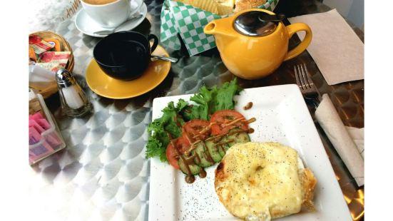 Hinnawi Bros Bagel & Cafe