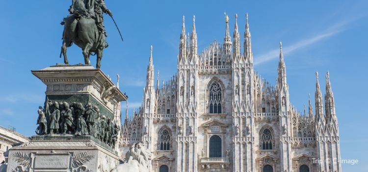 Milan Cathedral Travel Guidebook Must Visit Attractions In