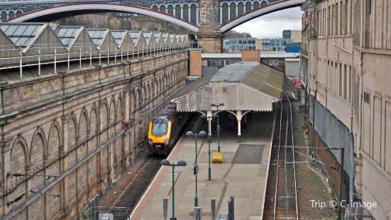 愛丁堡威瓦利火車站