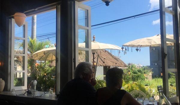 Gypsy Kitchen Bar Reviews Food Drinks In Bali Bali