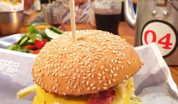 Ribs & Burgers3