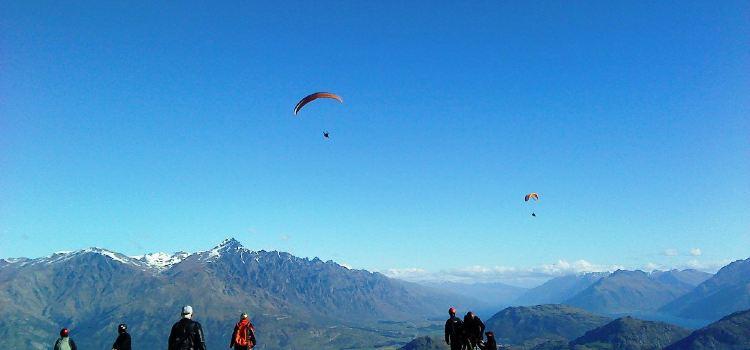 卡羅內特峰滑翔傘2