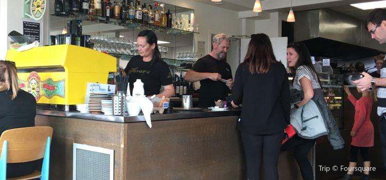 Tay Street Beach Cafe