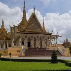Wat Phnom User Photo
