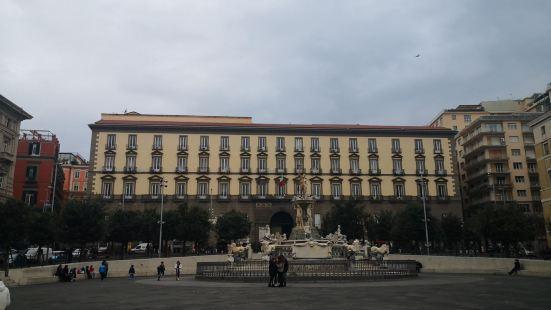 Municipio Di Napoli