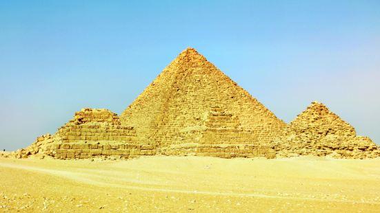 멘카우레 피라미드