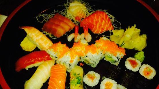 Tomo Sushi Bar