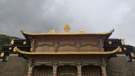 果洛白玉寺