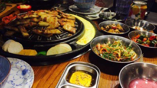 滋滋咕嚕 쩝쩝꿀꺽 滋滋咕嚕 쩝쩝꿀꺽 韓式烤肉專門店