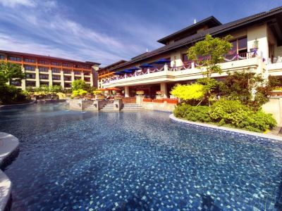 The Ronghe Xinyuan Hot Springs at Arcadia Seaside Holiday Hotel
