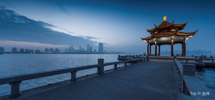Jinji Lake3