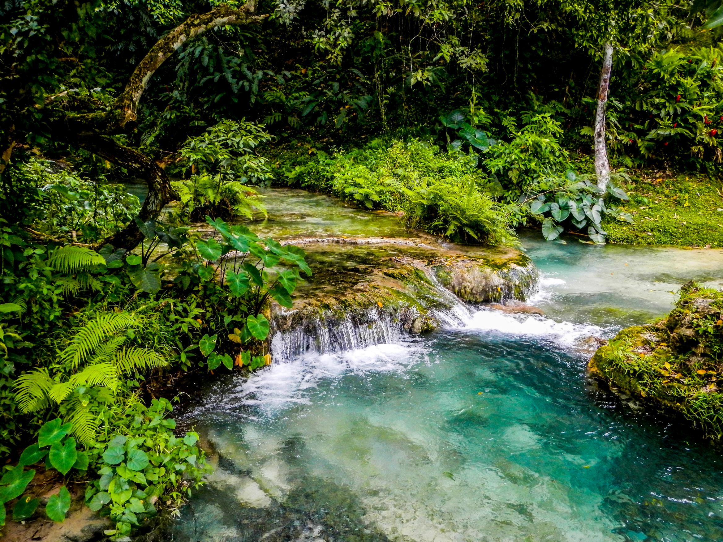 Mele Cascade瀑布公園