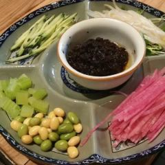 Siji Minfu ZhaJiangMian ( Qian Men Lang Fang Er Tiao ) User Photo