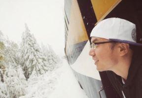 乘坐昂貴奢華的頂級觀光列車,一覽楓葉之國的波瀾壯闊