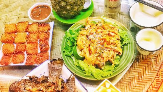 Duo Ge Shui Dai Restaurant