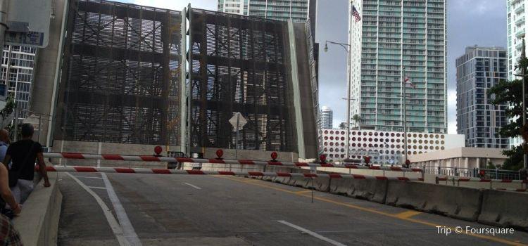 Brickell Avenue Bridge3