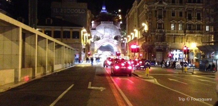 Piazza Goldoni3