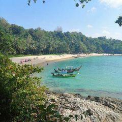Laem Sing Beach User Photo
