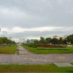 Wat BotomVatey Playground User Photo