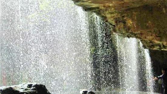 滴水岩景區
