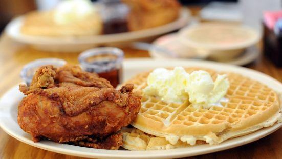 Roscoe's House of Chicken & Waffles (West Los Angeles)