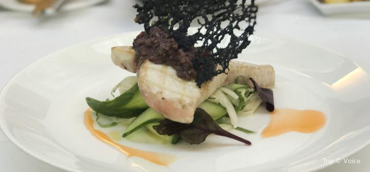 William Blue Dining1