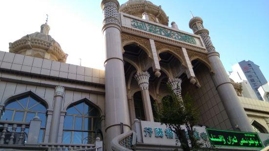 汗騰格里寺