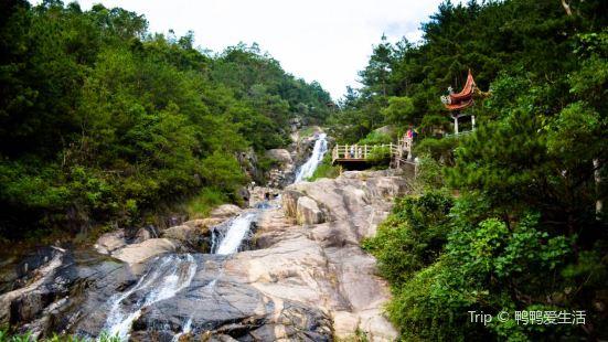 Xiamen Twelve Dragons Lake