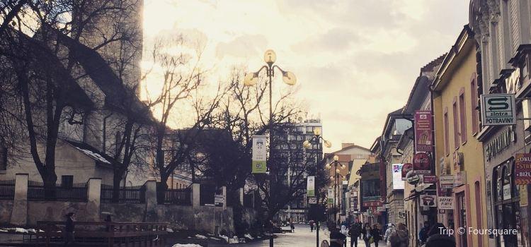 聖艾智德廣場1