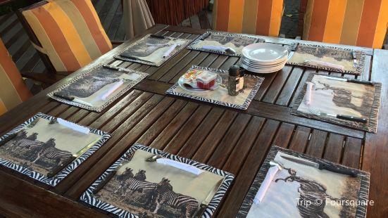 Monzi Safaris