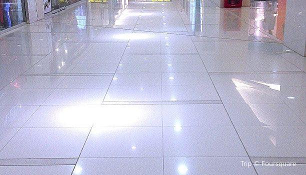 Dolmen Mall2