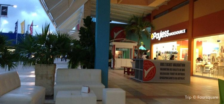 San Juan Shopping Center2