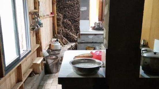王莽洞柴火灶農家飯莊
