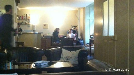 Avo Lounge