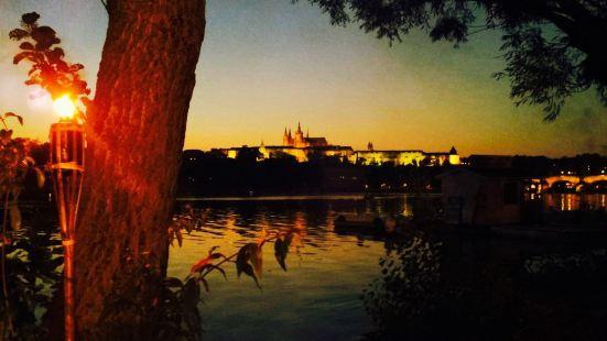 Nominanza River