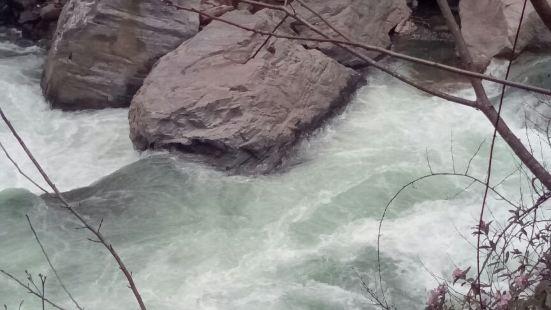 德木冷泉河