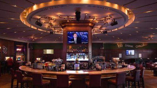 Victor's Bar & Restaurant
