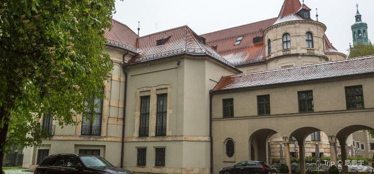 Bavarian National Museum (Bayerisches Nationalmuseum)1