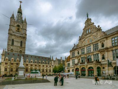 Belfry and Cloth Hall (Belfort en Lakenhalle)
