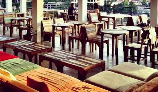 River Vibe Restaurant & Bar1