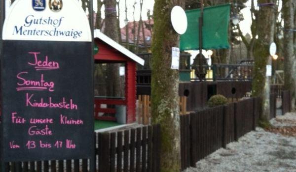 Gutshof Menterschwaige1