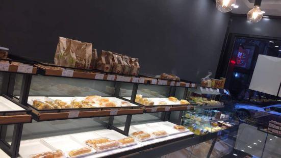 美然·蛋糕烘焙專家(浙師大宗澤路店)