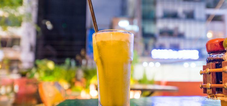 Prem Bistro & Café3
