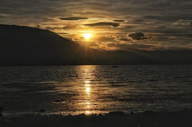 日子怎麼來,我們怎麼愛,也許愛情就在大理洱海邊等著你