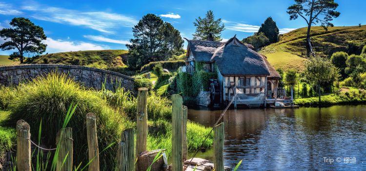 Hobbit Village3