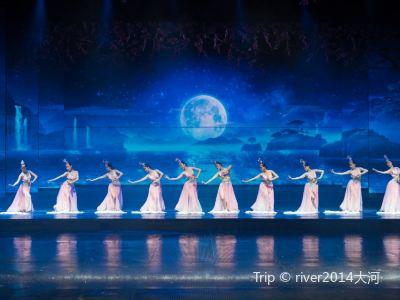 大規模な歌とダンス「炭河千古情」