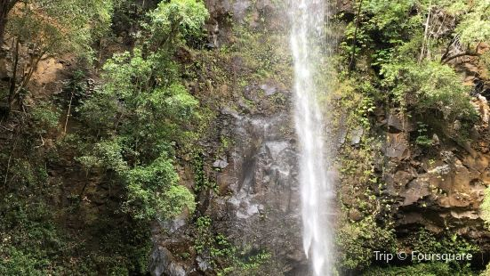 Secret Falls (Uluwehi Falls)