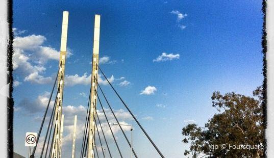 Eleanor Schonell Bridge