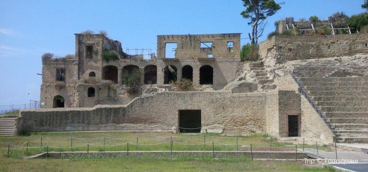 Grotta di Seiano2
